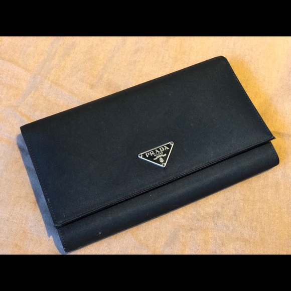 8b172ebe453c15 Authentic Prada Leather Black Classic Wallet. M_5ab9258ca6e3ea3d03ee36e7